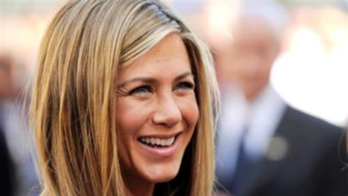 Jennifer Aniston will play America's first lesbian president in new film 2